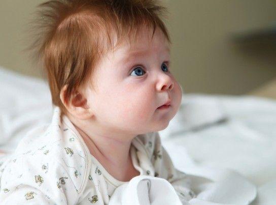 Навички фізичного розвитку дитини в 4 місяці:
