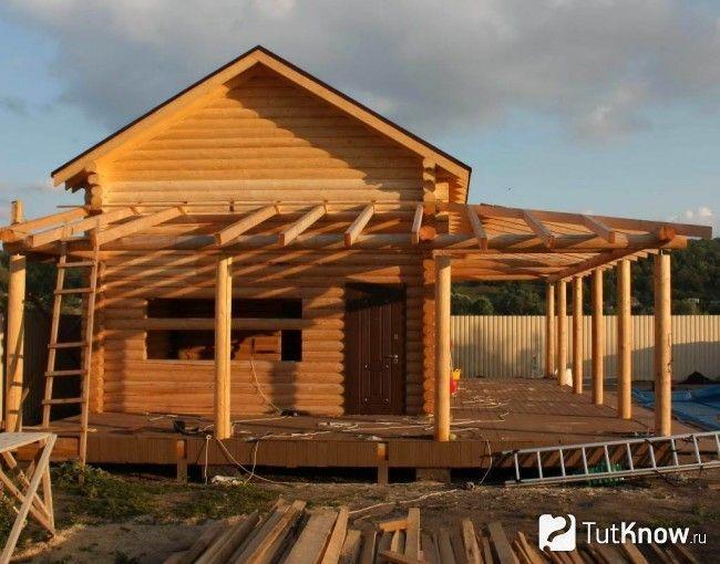 Будівництво лазні з терасою під барбекю