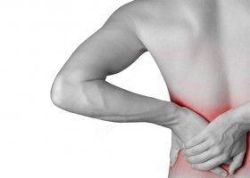 Болить спина, що робити? Народні засоби і поради