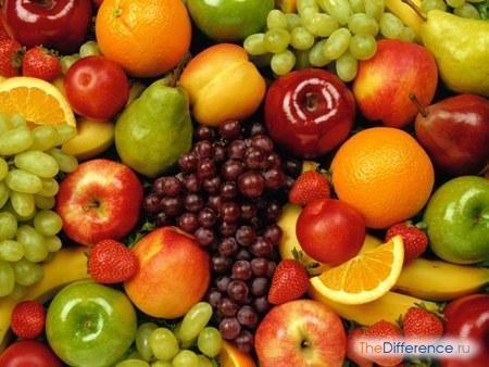 різниця між фруктом і ягодою
