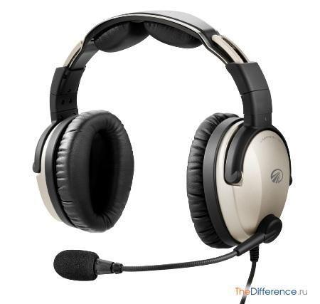 відміну навушників від гарнітури