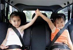 Чим зайняти дитину в дорозі