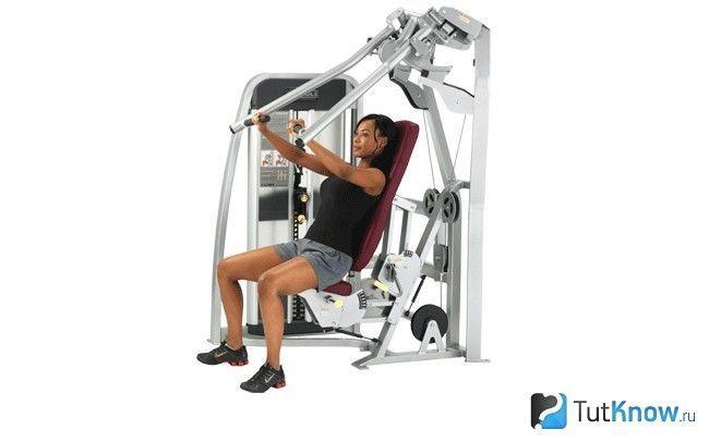 спортсмен тренується