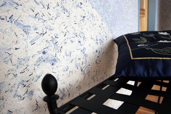 Фото рідких шпалер в спальні