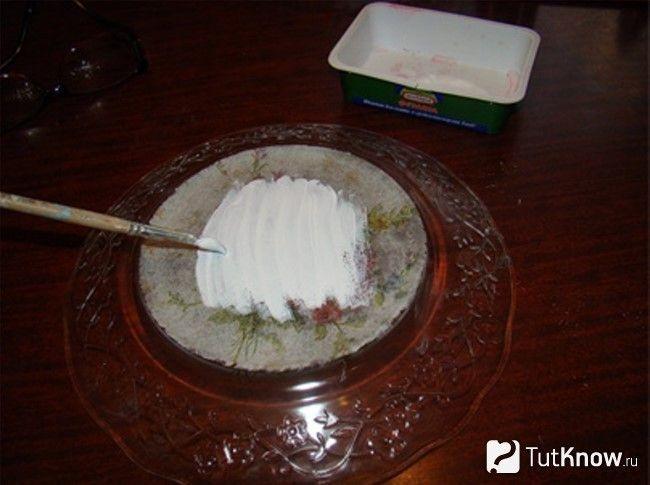 Покриття тарілки акриловою фарбою