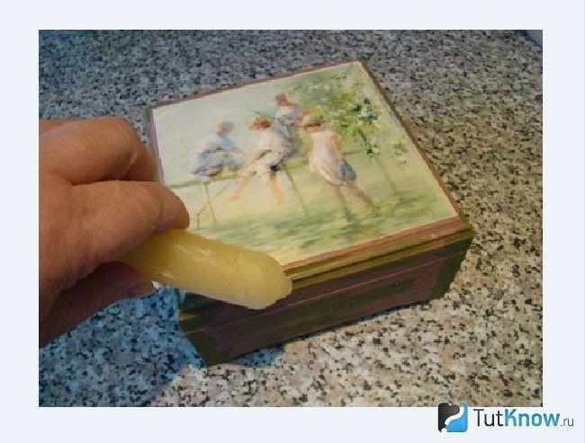 Покриття акриловою фарбою шкатулки