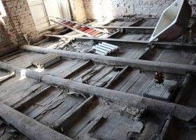 Демонтаж дерев`яної підлоги