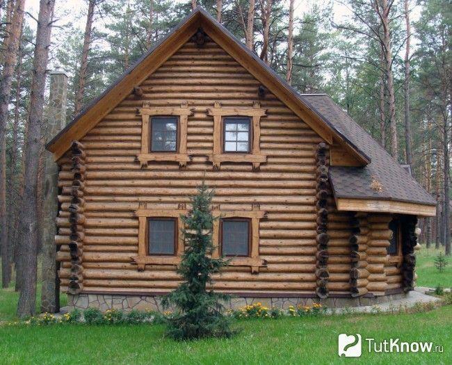 Баня з дерев`яними вікнами