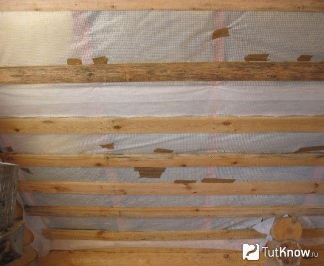 Теплоізоляція дерев`яного стелі
