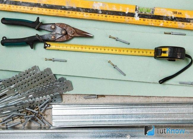 Інструменти для монтажу стелі з гіпсокартону