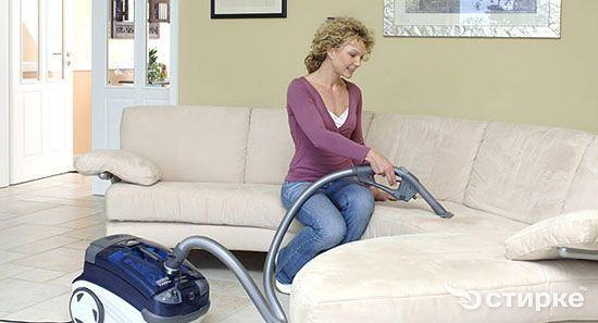 прибирання м`яких меблів
