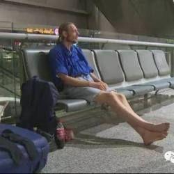 Голландець прилетів до Китаю до дівчини з Інтернету і 10 днів чекав її в аеропорту