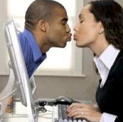Чи ефективні знайомства в інтернеті?