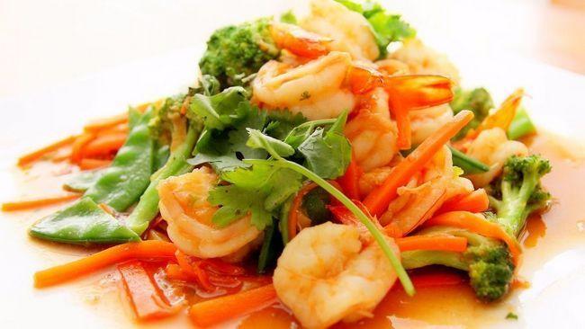 Як приготувати креветки в часниковому соусі: варіанти рецептів