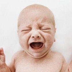 Як швидко заспокоїти дитину, що плаче?