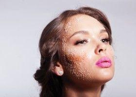 Як робити цукрові скраби для обличчя і тіла