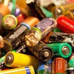 Як довго розкладається сміття, викинуте нами?