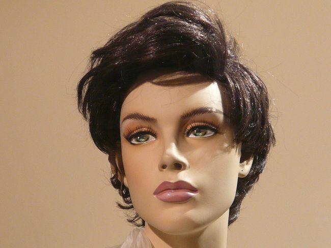 Як носити перуку: поради по зберіганню, одягання і догляду