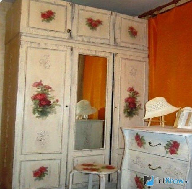відреставрована меблі