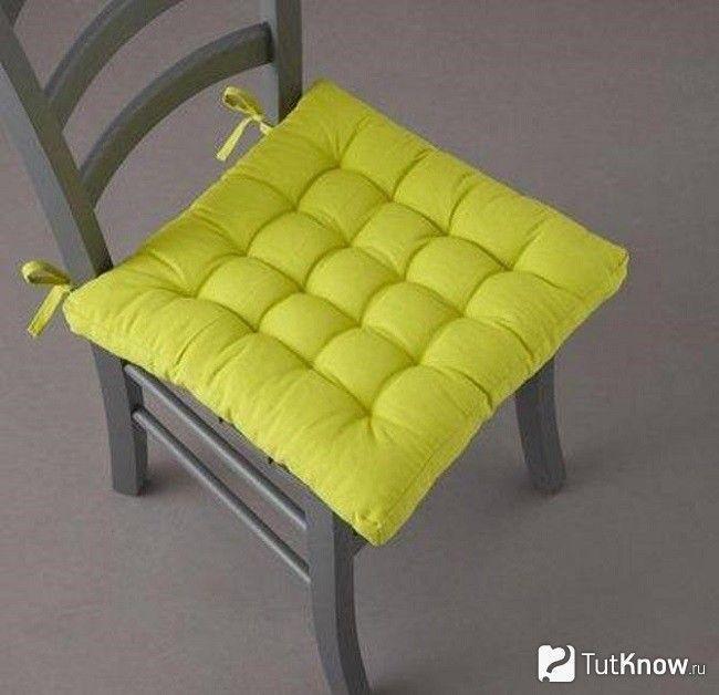 Саморобна подушка для стільця