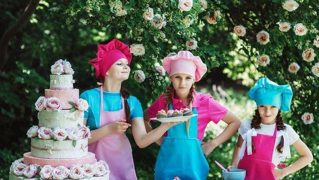 Як самому робити торт з підгузників