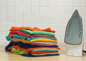 Як правильно гладити речі і одяг?