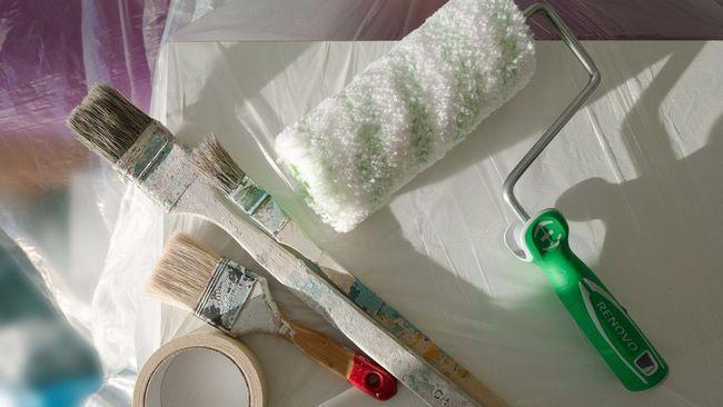 Як правильно клеїти вінілові і бамбукові шпалери