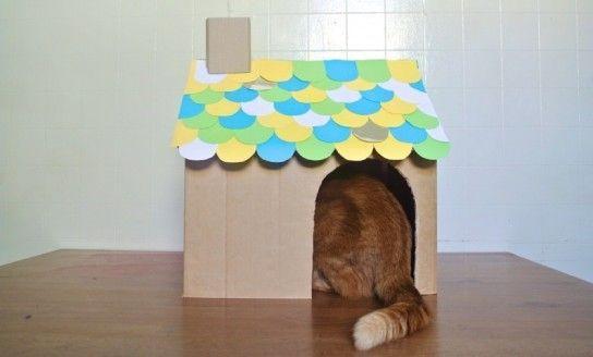 Будиночок своїми руками можна зробити навіть з картонного паперу