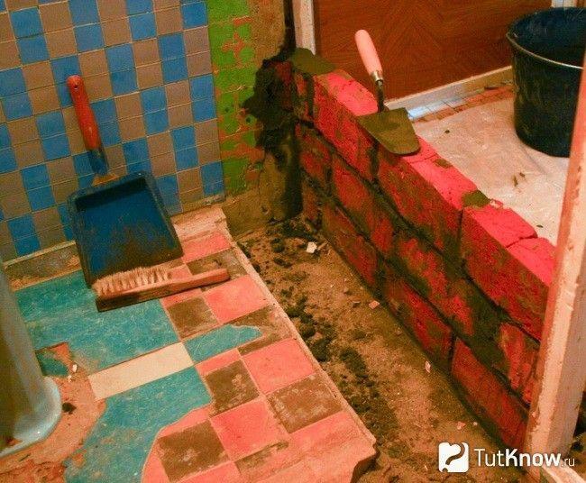 Будівництво перегородки з цегли у ванній кімнаті