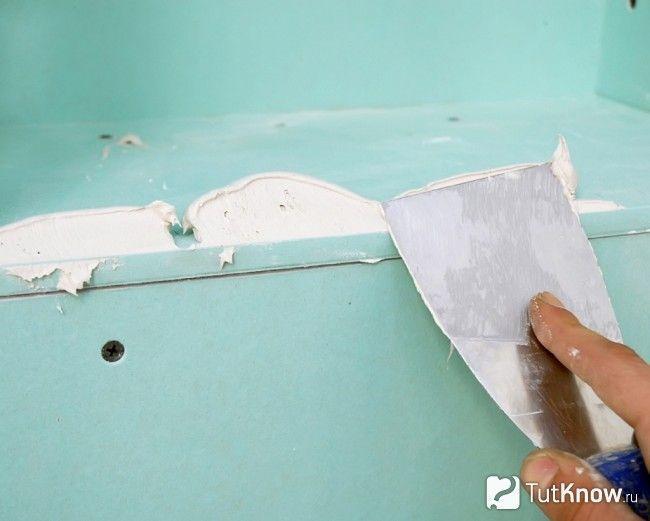 Шпаклівка швів на гіпсокартоном стелі