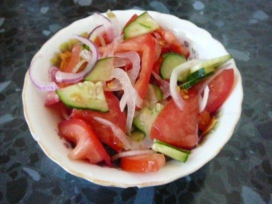 Справжній річний салат