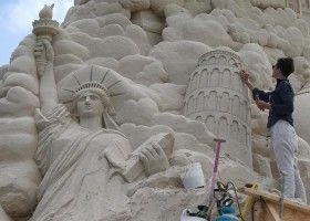 Як зробити скульптури, замок і картини з піску