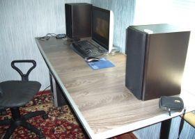 Як зробити стіл для комп`ютера своїми руками?
