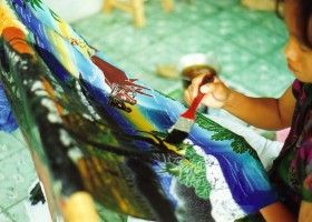 Як зробити тканину батик своїми руками?