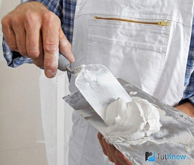 Підготовка суміші для шпаклівки гіпсокартону на стелі