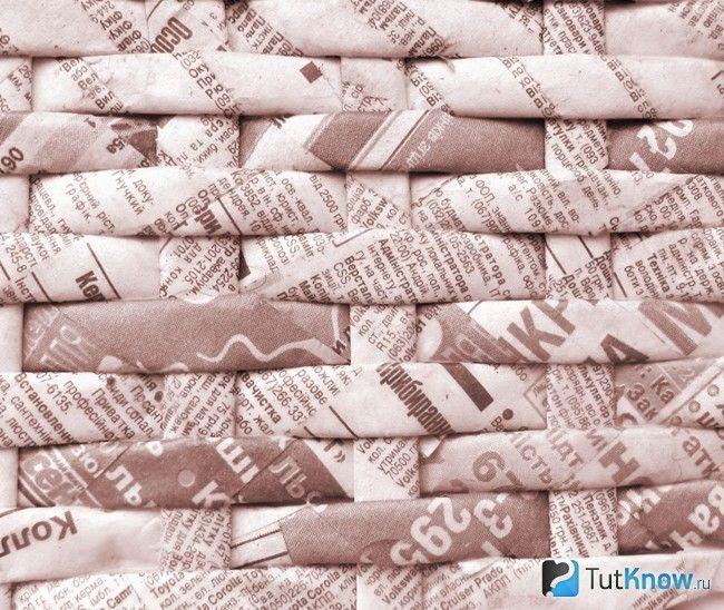 Плетіння стінок кошика з газет