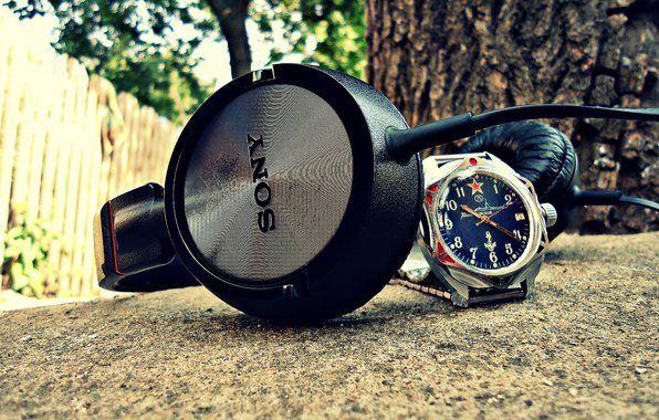 Навушники і годинник