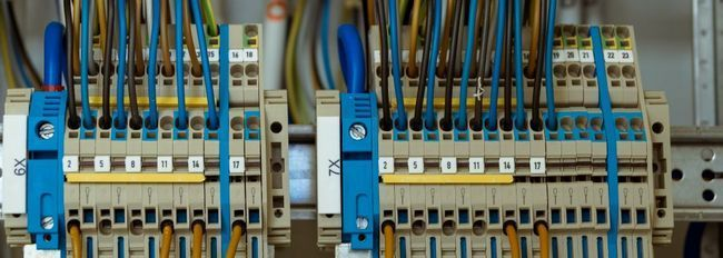 Як вибрати стабілізатор електричної напруги