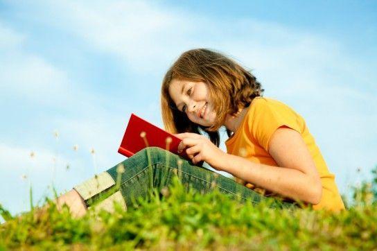 Як привчити дітей читати влітку?