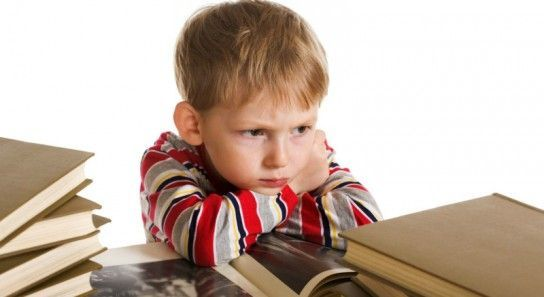 Чи потрібно змушувати дитину читати?