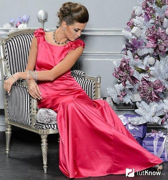 Довге новорічне плаття