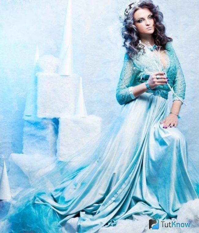М`ятна плаття зі шлейфом на Новий рік