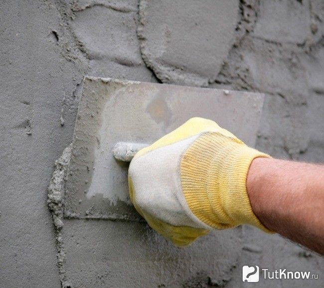 Оштукатурювання цегляної стіни