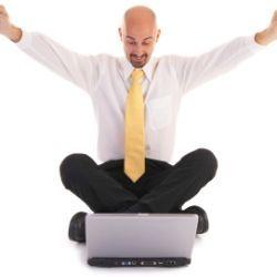 Комп`ютер і телевізор - все, що потрібно чоловікові для щастя