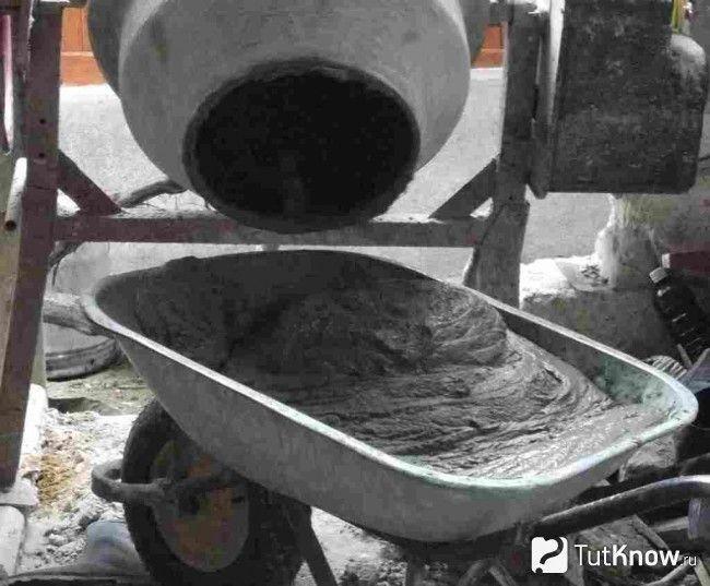 Приготування розчину для ганку з бетону в баню