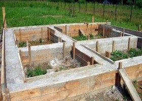 Стрічковий фундамент для лазні: технологія будівництва