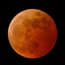 Місячне затемнення та наближення марса до землі в квітні 2014 року