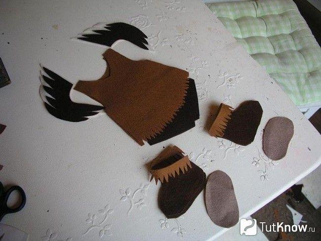 Форма одягу для об`ємної ляльки з фетру