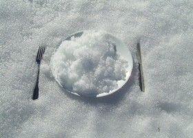 Чи можна їсти сніг: користь і шкода?