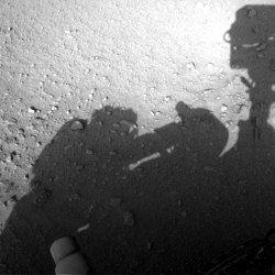 На марсі знайшли людину, ремонтує марсохід